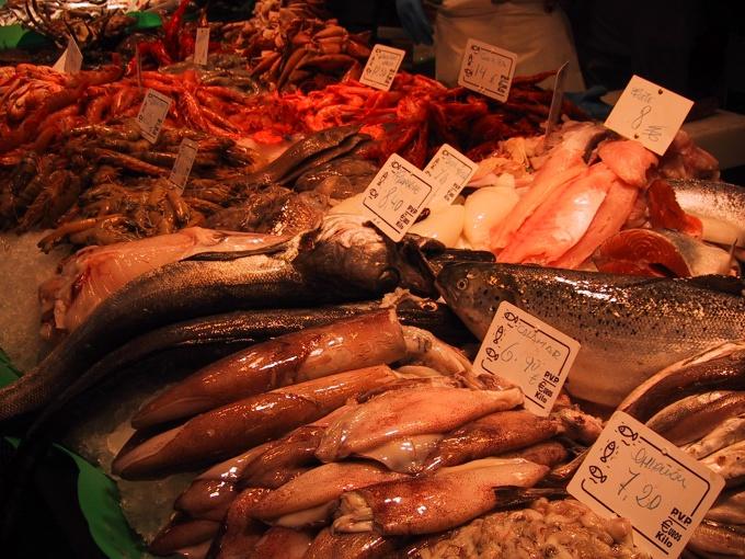 Как чистить тушку кальмара
