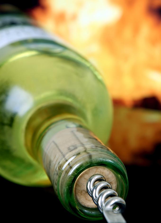 Как сделать глинтвейн из белого вина и вишен