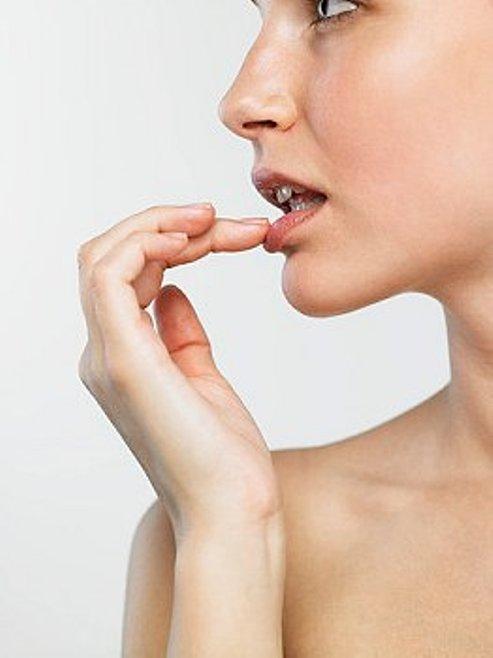 Как лечить заеды на уголках губ