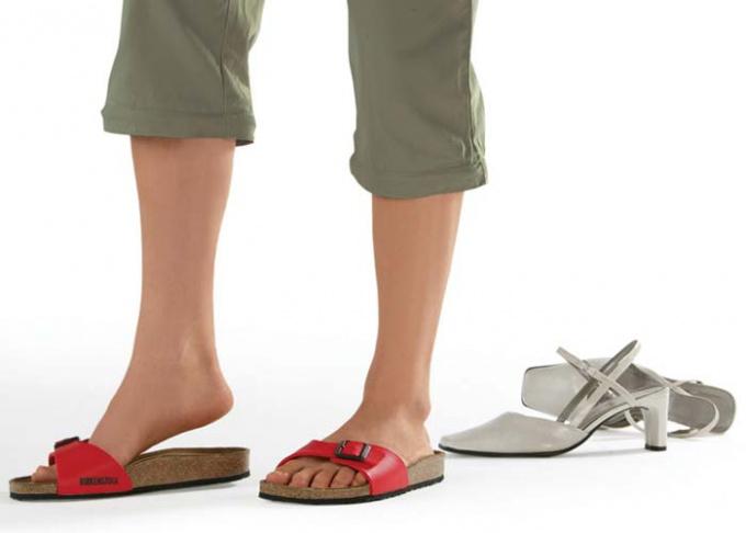 Как убрать запах из новой обуви