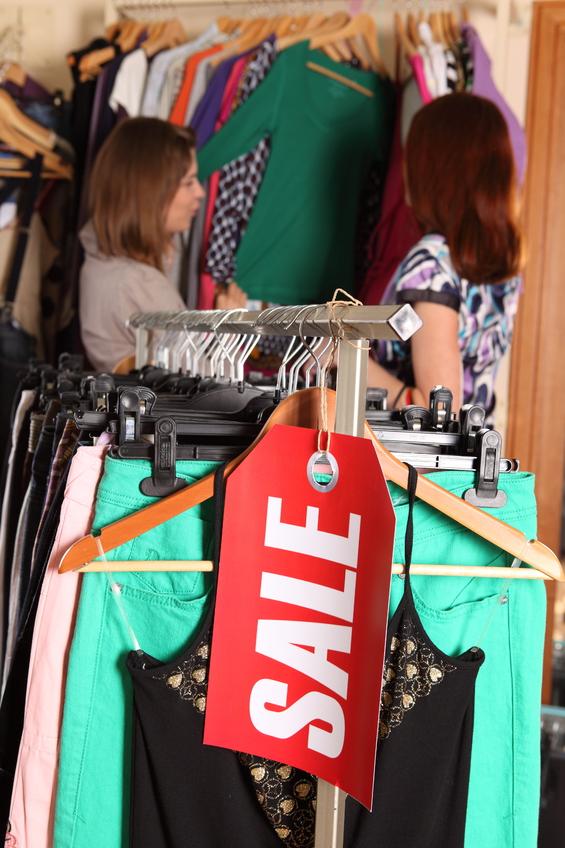 Сток дешевой одежды
