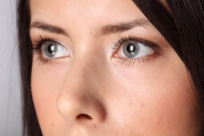 How to get rid of yellowness in the eyes
