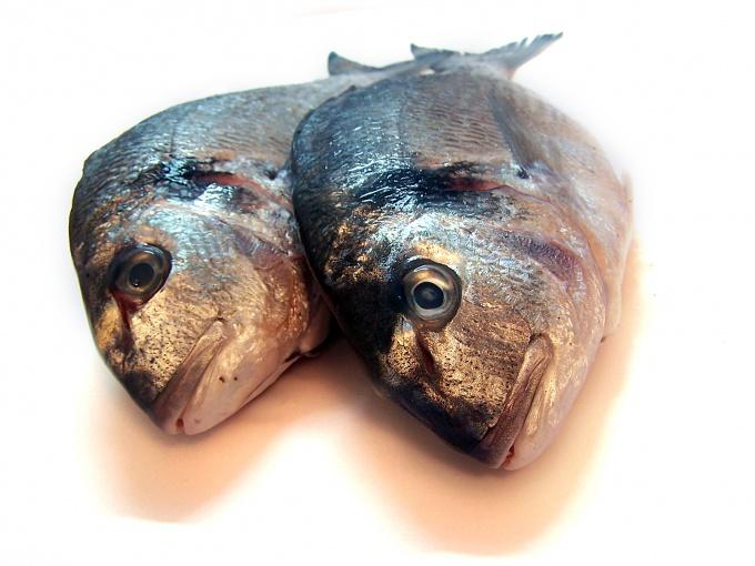 Как избавиться от запаха рыбы :: как избавиться от рыбного запаха на доске :: Продукты питания