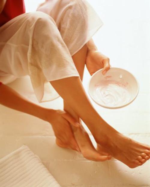 Как смягчить кожу ног