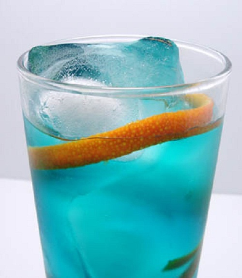 "Как приготовить коктейль ""Голубая лагуна"""