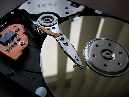 Как объединить два локальных диска