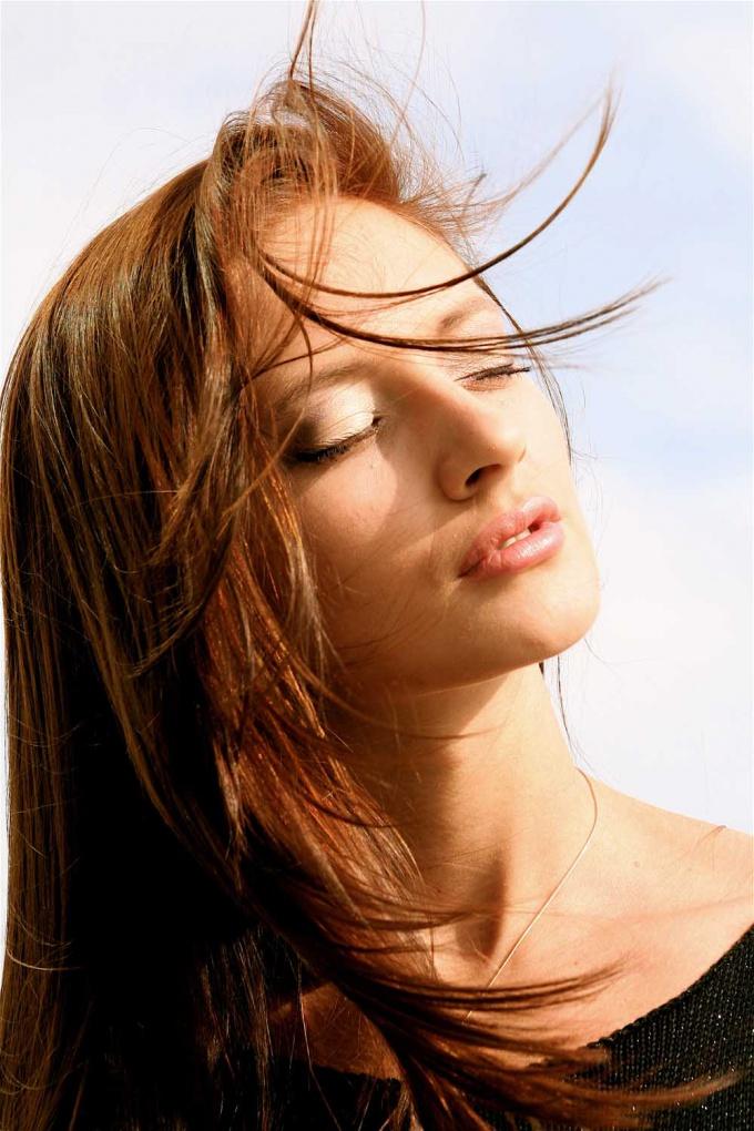 Как сделать стрижку на длинные волосы
