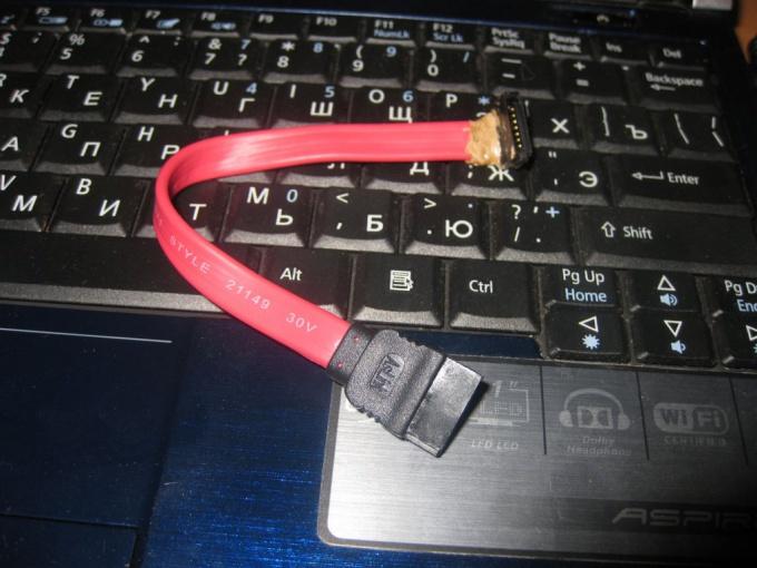 Как вытащить жесткий диск из ноутбука