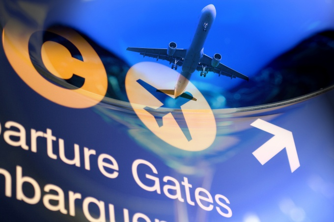 How to book airline tickets on the Internet