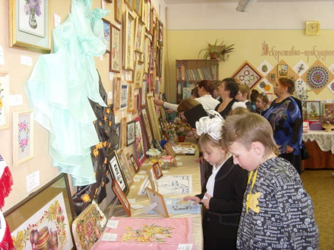How to arrange a children's exhibition
