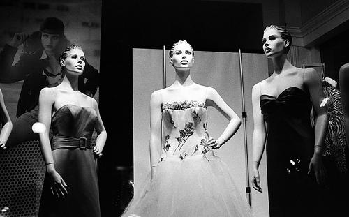 Как открыть магазин брендовой одежды