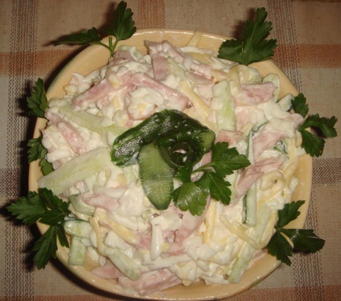 Как приготовить салат из ветчины
