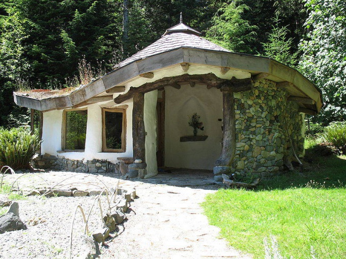 Как построить небольшой домик