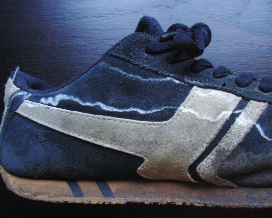 Как убрать соль с замшевой обуви