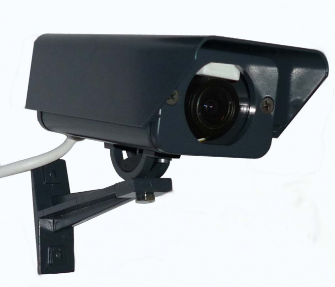 How to connect surveillance camera to computer