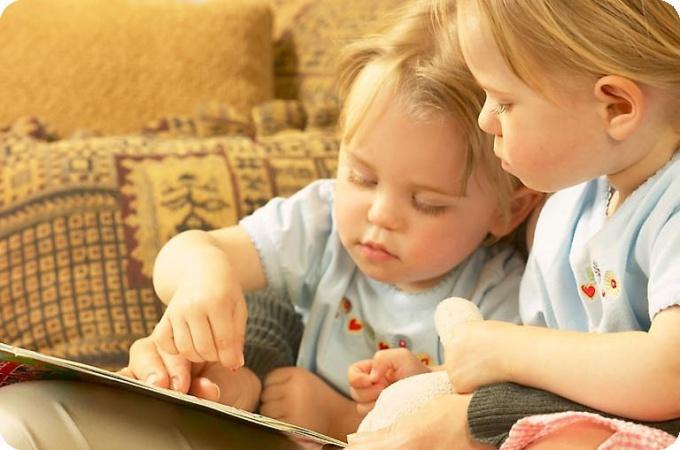 Как научить ребенка лепить и рисовать