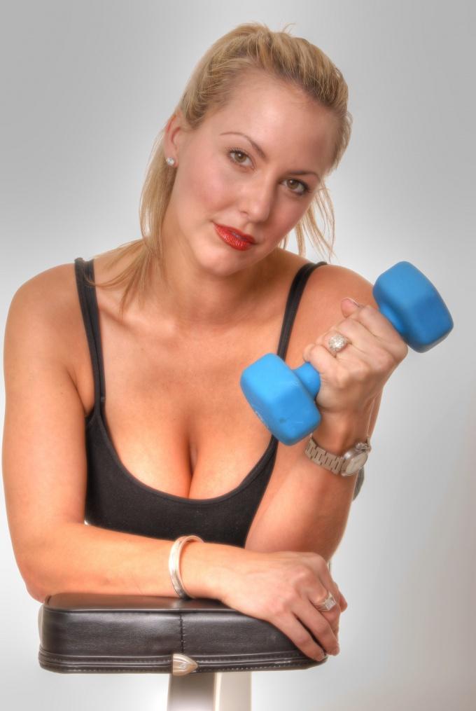 Как накачать мышцы худому