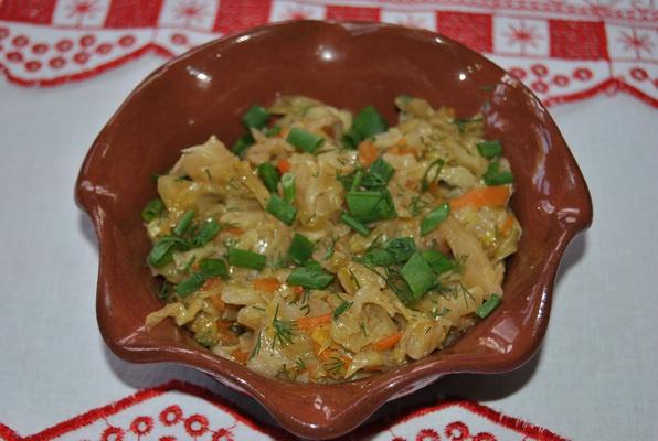 Тушеная капуста: как приготовить вкусно и полезно