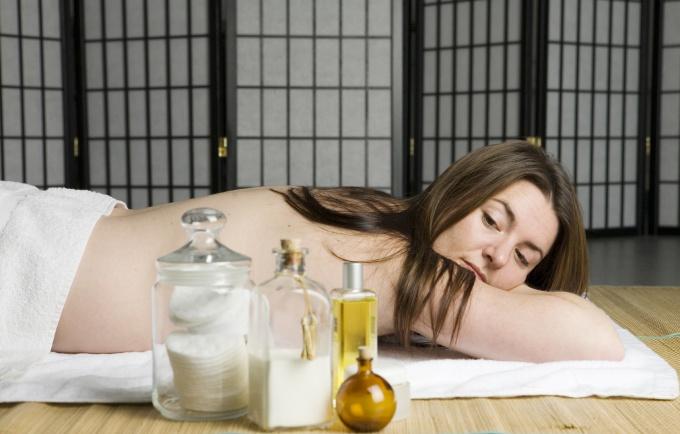 How to do pelvic massage
