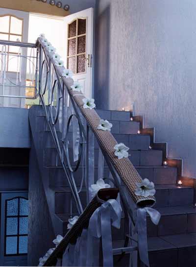 Как украсить к свадьбе подъезд