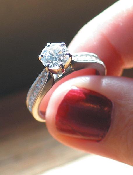 Как почистить кольцо с бриллиантом