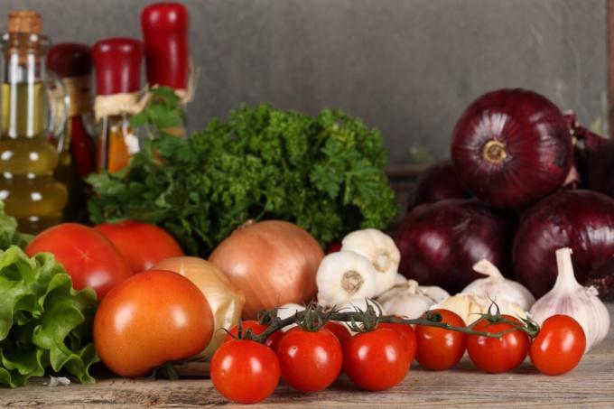 Как приготовить тушеные овощи