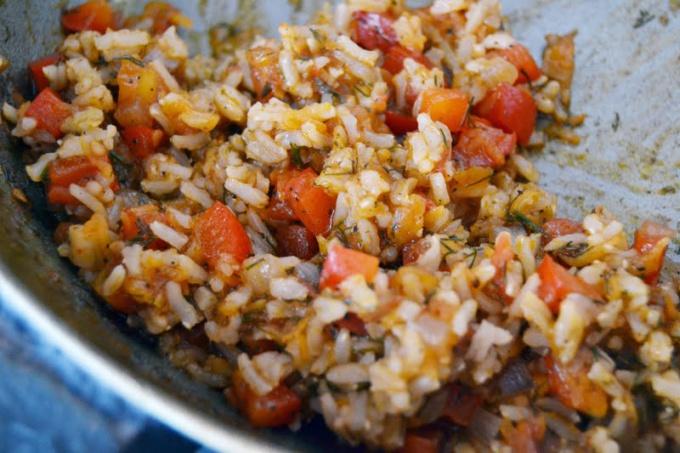 Как тушить рис