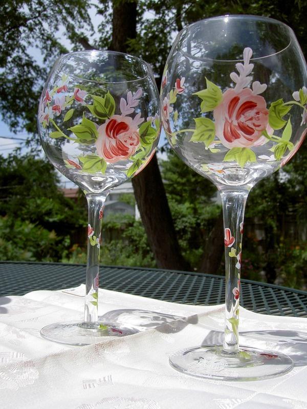 Как украсить бокалы на свадьбу?