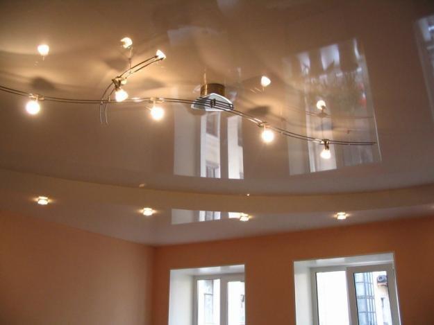 Как вытягивать потолок