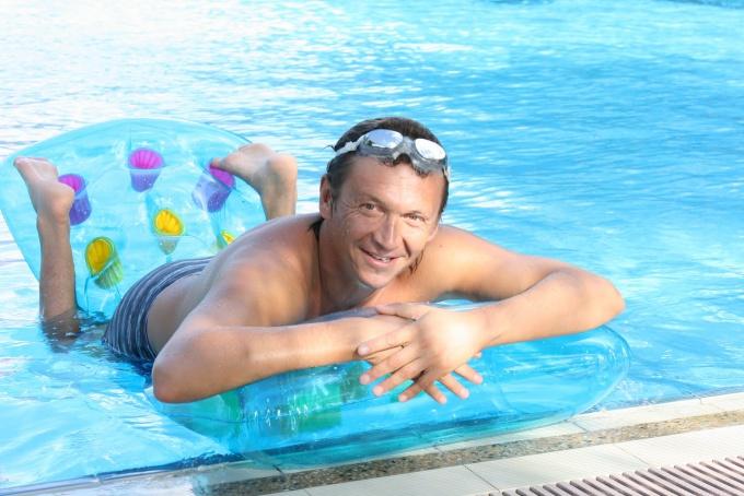 Как обучиться плавать взрослому человеку