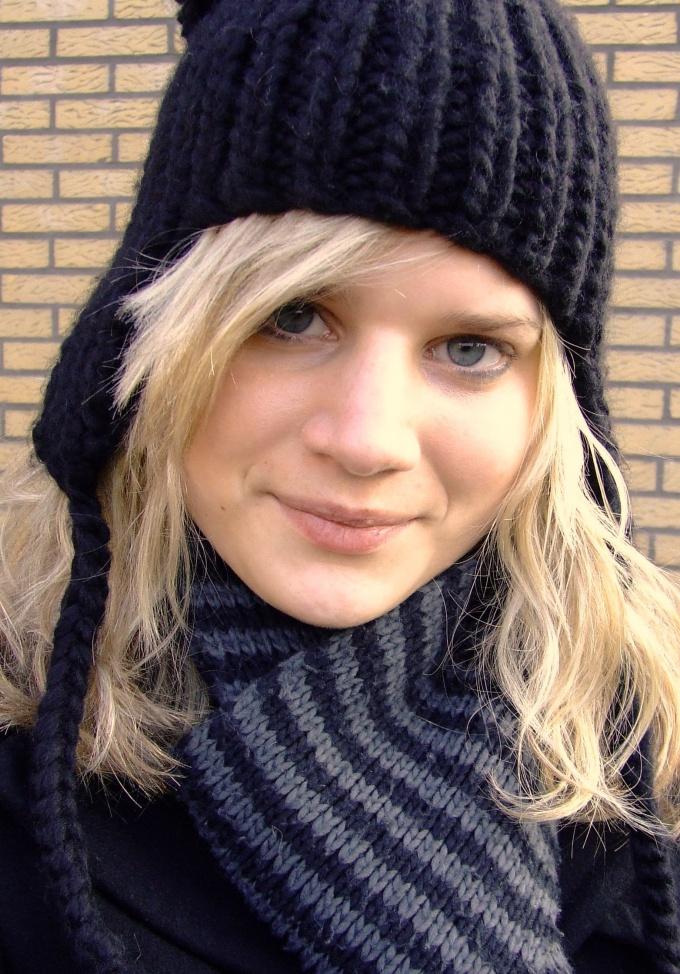 Как связать женскую зимнюю шапку