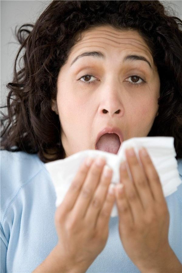 Как заставить чихать