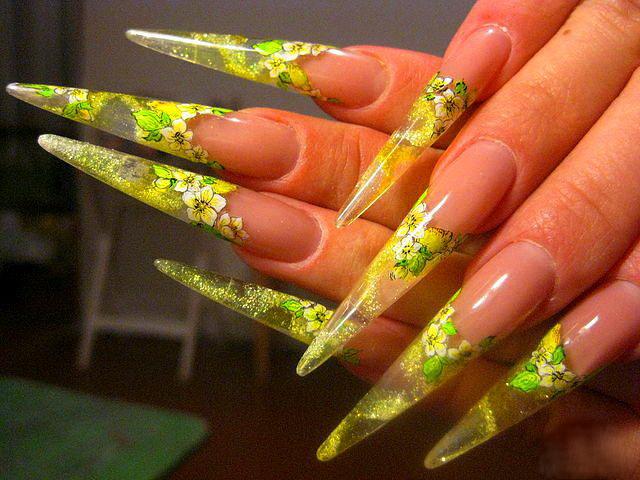 Как нарастить острые ногти