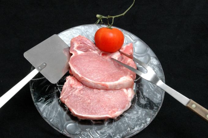 Как правильно приготовить свинину