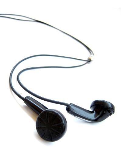 How to fold headphones