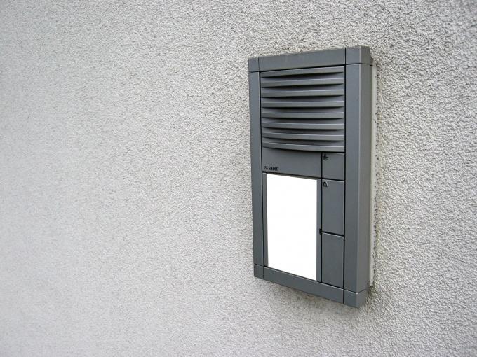 Как сделать дверной звонок