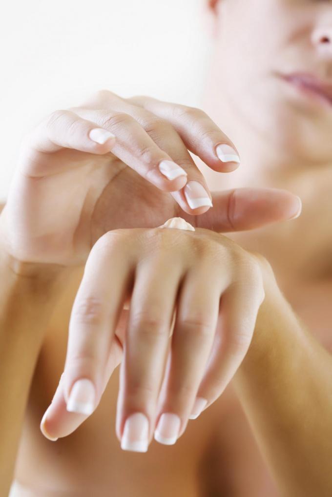 Как избавиться от царапин на руках