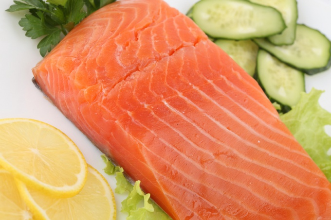 How to cook salmon with lemon