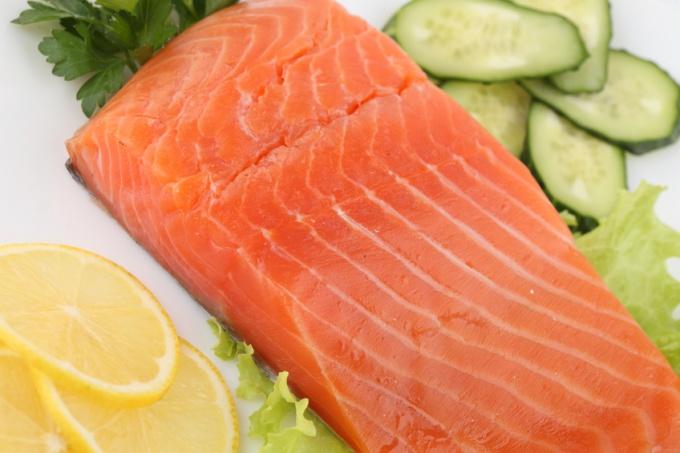 Как приготовить лосося с лимоном