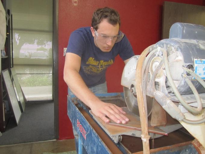 Как резать кафель