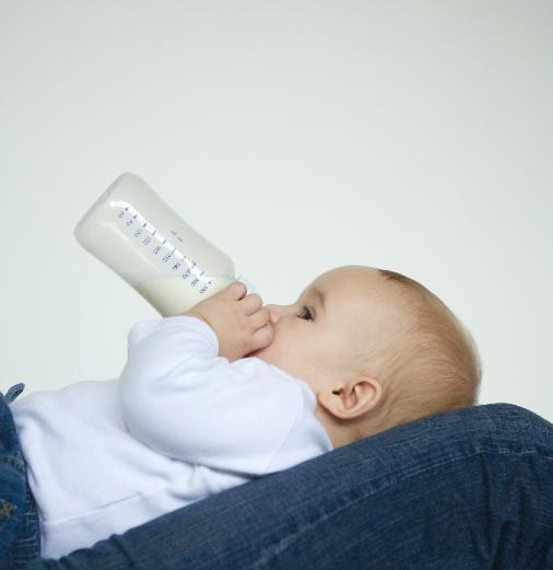Как разогревать грудное молоко