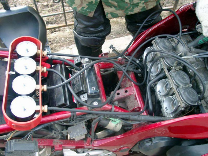 How to sync carburetors