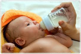 Как давать молоко грудным детям