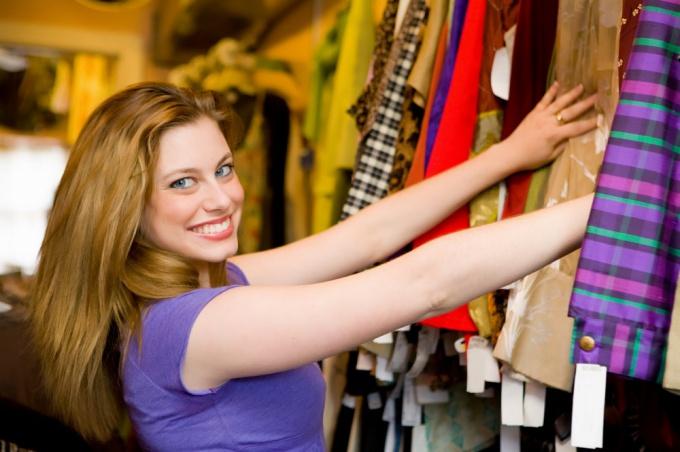 Как открыть магазин-сток одежды