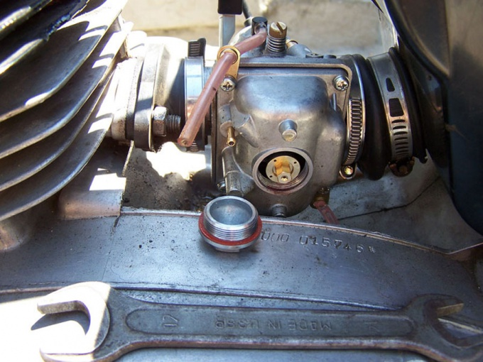 How to set carburetor for motorcycle