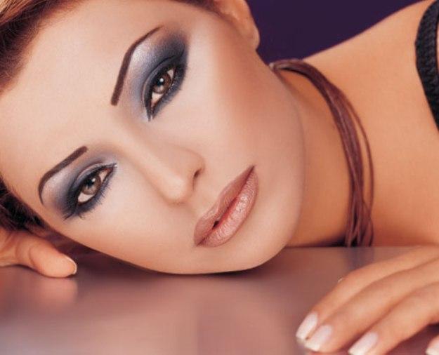 Как сделать гламурный макияж