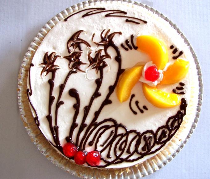 Как украсить сладкий пирог