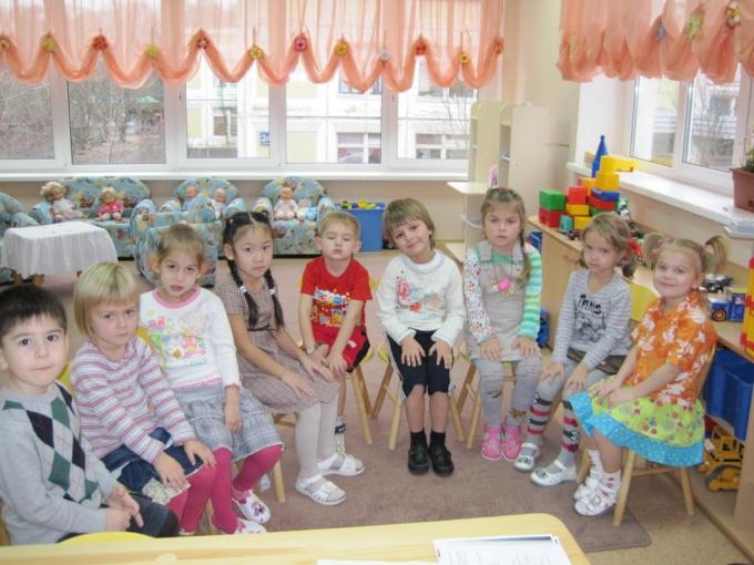 How to stand in a queue in a kindergarten in Kazan