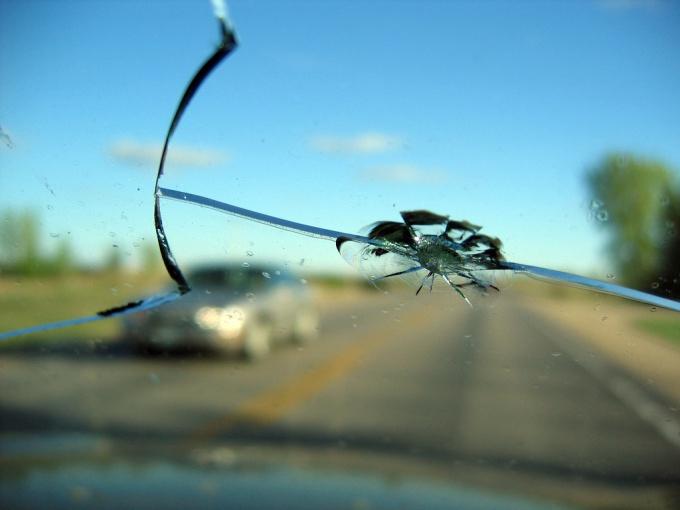 Как вставить стекло в машину
