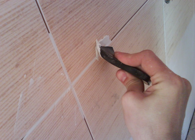 How to dissolve grout